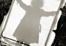curly-hair-female-projection-shadow-1385024-m